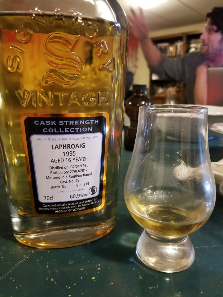 Laphroaig 16 1995 Signatory Cask Strength.jpg